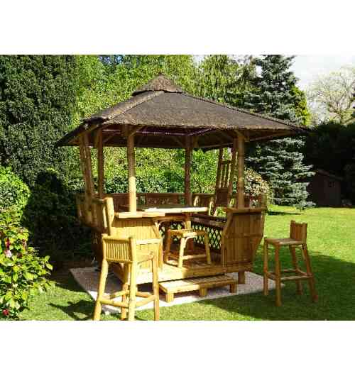 PANAY 6 PERS - Gazebo 100% bambou Sustainable : 100% rotproof 100 % organic treatment Delivery all France and Export Soil : 180 x 207 cm Roof : 304 x 335 cm Installation on all type of soils Easy and quick installation  hight qualitity range accesories (protections & sits, sheating, electric or solair lights, brasero-plancha-oven) For wonderfull and unforgettable moments with familly and friends ! Escape in your garden !