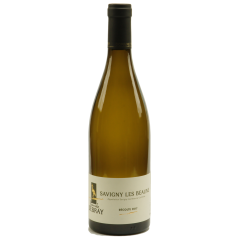 Savigny-lès-beaune 2017 - The Savigny-lès-Beaune is a white wine (chardonnay), appellation village. very light golden yellow with green highlights, it is clear, shiny, sparkling. You will appreciate this wine for its complex but light side that is a bouquet of honeysuckle, hawthorn and acacia. On the palate, a dry wine with aromas of apricot and honey. This brings the wine on a pleasant note.