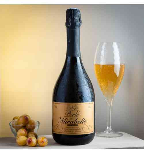 <p>sparkling wines , (12° alcohol) , made with pure juice of Mirabelle , or cherry, or raspberry ou redcurrant. drink it fresh like a champagne, for aperitive or for dessert.</p> - <p>sparkling wines , (12° alcohol) , made with pure juice of Mirabelle , or cherry, or raspberry ou redcurrant. drink it fresh like a champagne, for aperitive or for dessert.</p>