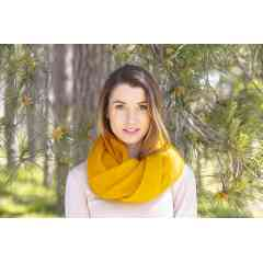 To discover: Knitted scarves - Elegant, fine and light, they will envelop you in a veil of softness
