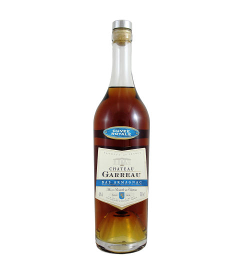 CUVEE ROYALE - Special Armagnac of the Estate Assemblage More than 6 Years old  Vine varietals : Baco > 80 %, Ugni blanc, Folle blanche  Aged in oak barrels in Château Garreau's own cellars. Available in Decanter Oxford (700ml photo against), Bottle Exception (700 ml, photo), Paillarde 500ml. Available with its box.  A great Armagnac for Whisky's lovers  Tasting : Golden, yellow reflection. Strong but delicate, with cinnamon, spices from Christmas and exotics fruits. Mouth smoked, peaty, almost Scottish.  Recommended for tasting : An Armagnac which can be served in cocktails or on the rocks, as a « trou gascon » ( in the middle of a multicourse meal) or « digestif », also used for cooking or pastries.  Fantastic with Duck foie gras, with Cheese (Roquefort…)  Recommended consumption conditions : room temperature.
