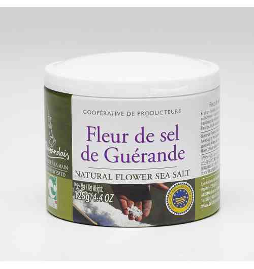 Flower of salt - Our Fleur de Sel salt is carefully hand-harvested on the surface of the water using traditionnal methods and savoir-faire. Le Guérandais Fleur de Sel is something of a rarity ; its natural whiteness and unique flavour are highly prized by food-lovers and great chefs alike.