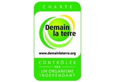 Responsible Fruits and Vegetables in compliance with 'Demain la Terre' Charter® - <p>The fruits and vegetables Tomorrow the Earth are: beetroot of the SARL Cormorèche, onion, shallot, potato of Ferme de la Motte, potato of Ferme de Normandie, small red fruits of Fruits Rouges & Co., potato of Pomliberty, cucumber of Kultive, cherry tomato and bunch of Le Jardin de Rabelais, apple and pear of Le Verge de la Blottière, carrot and leek of Planète Végétal, melon of Val de Sérigny and stone fruits of Saveurs des Clos.</p> <p><br />Themes of the 'Demain la Terre' Charter: reduce the use of phytosanitary products & remove all traces of residue, preserve quality & water resources & avoid all pollution, preserve soil quality & avoid all pollution, promote biodiversity & protect pollinating insects, controlling & reducing greenhouse gas emissions, managing the recovery of waste, promoting a sustainable economic relationship with stakeholders, ensuring respect for social issues.</p>