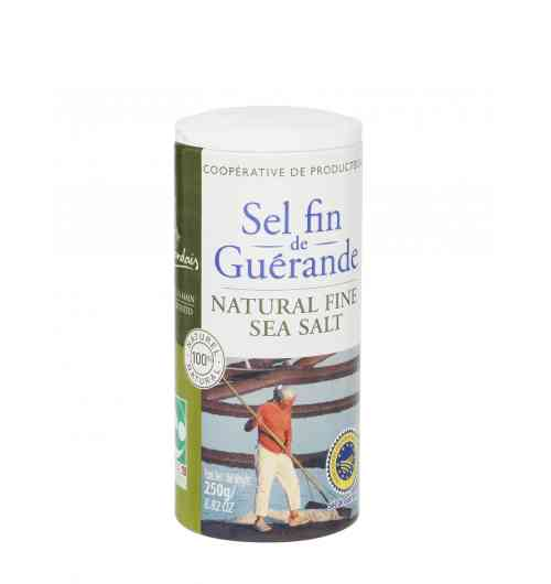 Fine or ground salt 250g box - Our Guérande fine salt, natural product of the ocean, the sun and the wind, is carefully hand-harvested using traditional methods. Le Guérandais fine salt is simply dried and ground. It is unrefined and contains no additive. It is ideal for enhancing your recipes or for sprinkling lightly over food just before serving.